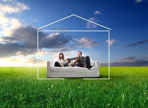 """Rrządowy program """"Mieszkanie dla Młodych"""" nie obejmuje budownictwa jednorodzinnego /©123RF/PICSEL"""