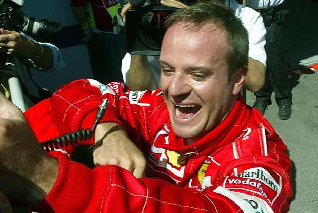 Rubens Barrichello cieszy się z pole-position (kliknij) /poboczem.pl