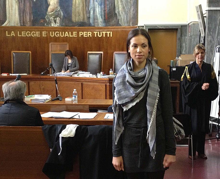 Ruby w sądzie w Mediolanie /STEFANO PORTA /PAP/EPA