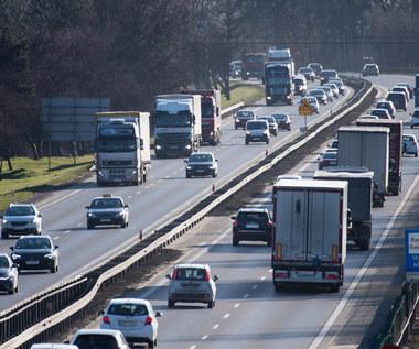 Ruch drogowy coraz większy. I stale rośnie