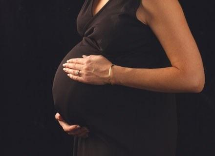 Ruchy dziecka w brzuchu to niezapomniane przeżycie /ThetaXstock