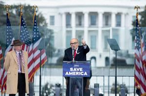 """Rudy Giuliani cu un avocat autorizat arestat. """"Nu poți minți în instanță"""""""