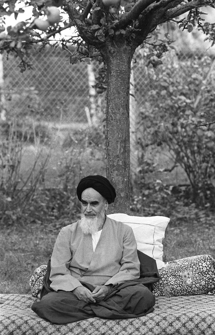 Ruhollah Chomeini urodził się w rodzinie szyickich uczonych we wsi pod Teheranem w 1902 r. /PAP/EPA