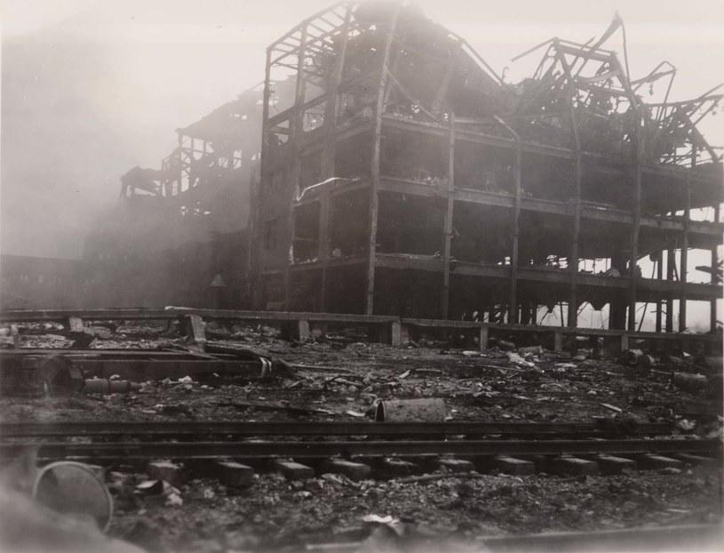 Ruiny fabryki gumy, która znajdowała się 300 metrów od epicentrum /domena publiczna