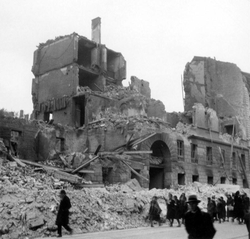 Ruiny Pałacu Zamoyskich, Warszawa, październik 1939 /zbiory Lecha Królikowskiego /East News