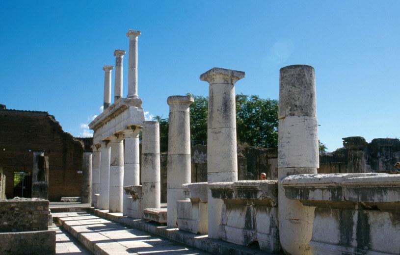 Ruiny starożytnego miasta Pompeje zniszczonego przez wybuch wulkanu Wezuwiusz /Wojtek Laski /East News