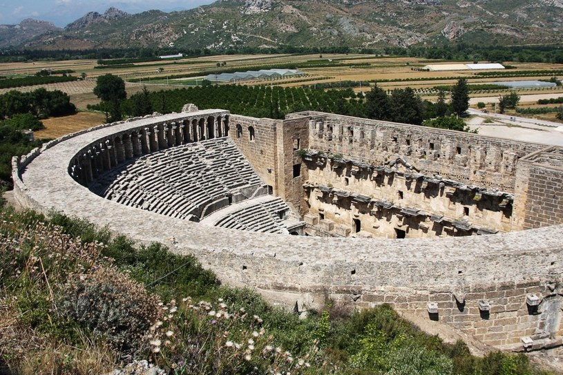 Ruiny starożytnego teatru w Aspendos /123RF/PICSEL