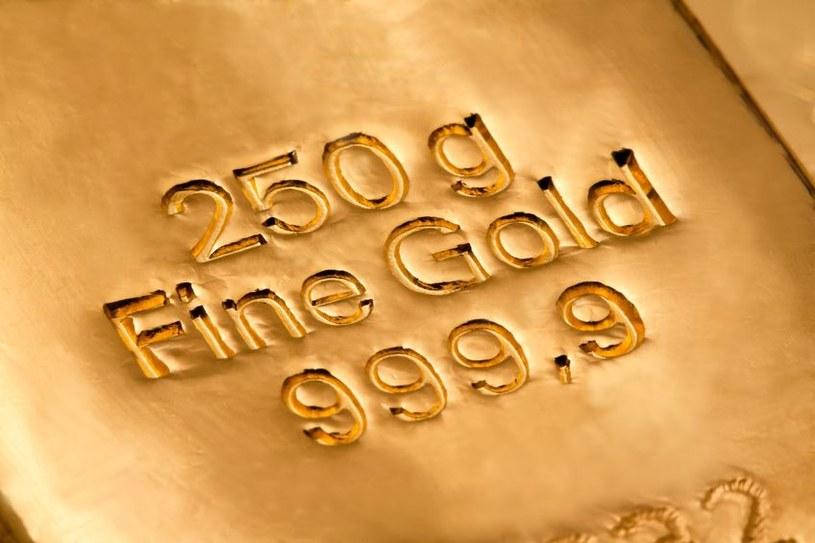 Run na złoto, czyli kto stoi za ceną uncji... /123RF/PICSEL