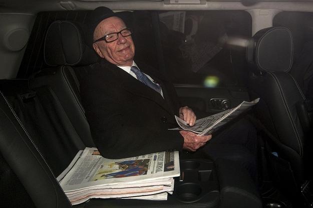 Rupert Murdoch, szef News Corp. Są dowody, że bogaci chętniej oszukują /AFP