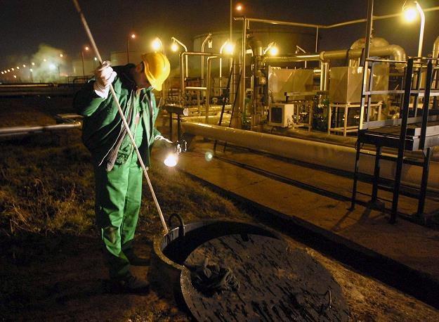 Rurociąg Przyjaźń w Szazhalombatta (Węgry) - testowanie jakości ropy /EPA