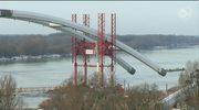 Rusza montaż ogromnych łuków mostowych na Wiśle