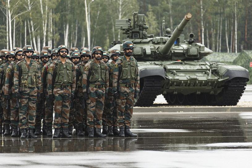 Ruszają ćwiczenia Zapad-2021. Zdaniem KE, Rosja powinna zapewnić transparentność swoich działań wojskowych /rPAP/EPA/RUSSIAN DEFENCE MINISTRY HANDOUT /PAP