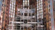Rusztowania przysłoniły ołtarz Wita Stwosza