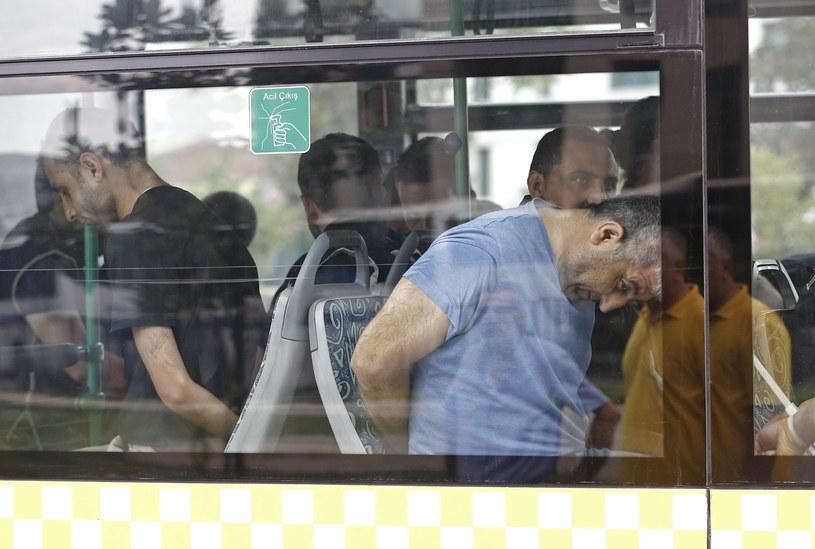 Ruszył proces 29 byłych funkcjonariuszy tureckiej policji oskarżonych o pomoc w przeprowadzaniu udaremnionej przez władze próby puczu /PAP/EPA