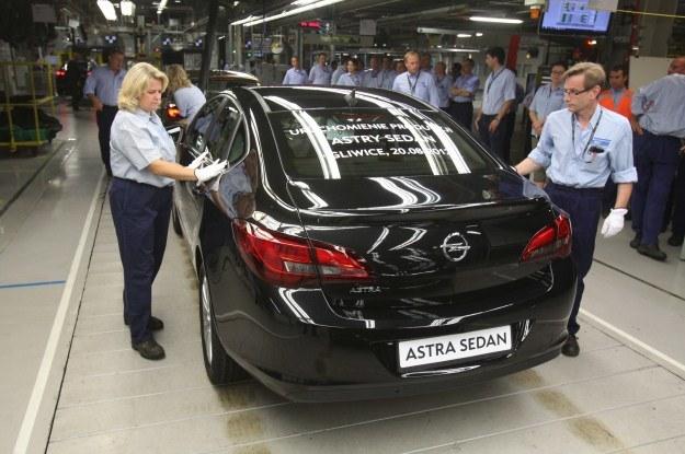 Ruszyła produkcja astry sedan /