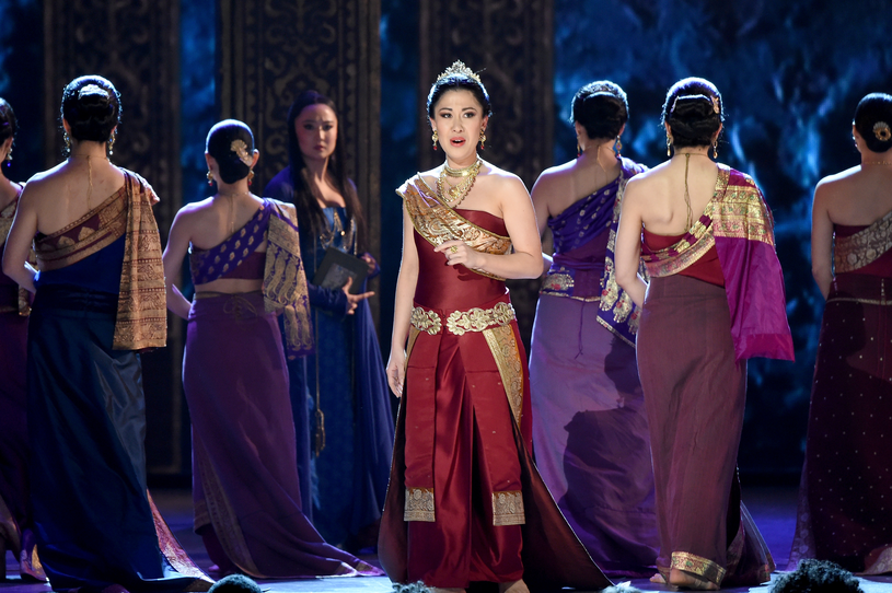 "Ruthie Ann Miles w spektaklu ""The King and I"" /Theo Wargo /Getty Images"