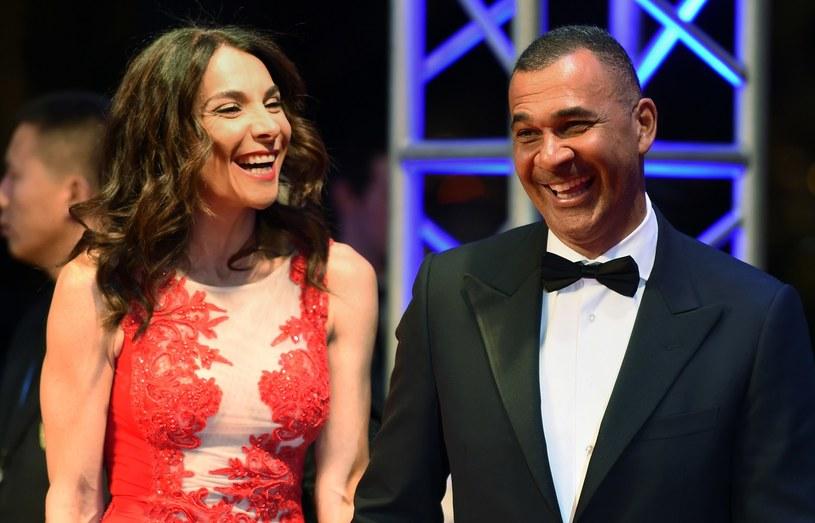 Ruud Gullit z żoną podczas gali Laureus World Sports Award w Szanghaju /AFP