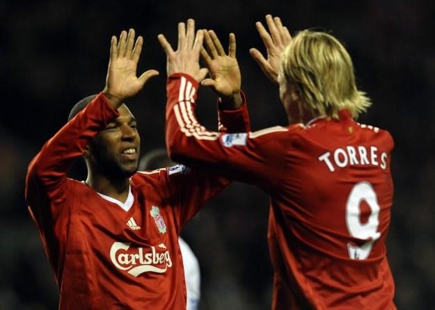 Ryan Babel i Fernando Torres /AFP