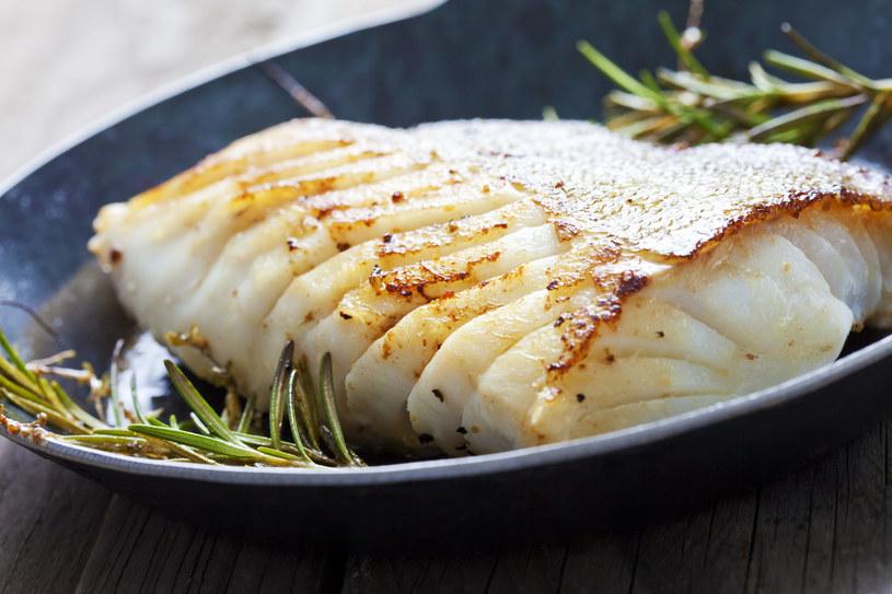 Ryba marynowana w herbacie /123RF/PICSEL