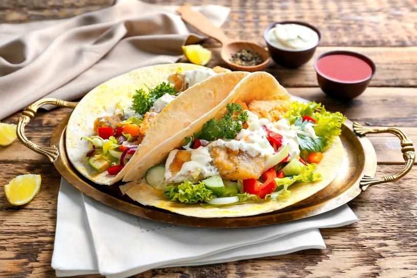 Rybne tacosy z pieprzem cayenne /123RF/PICSEL