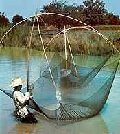 Rybołówstwo, połowy siecią  w Bangkoku /Encyklopedia Internautica
