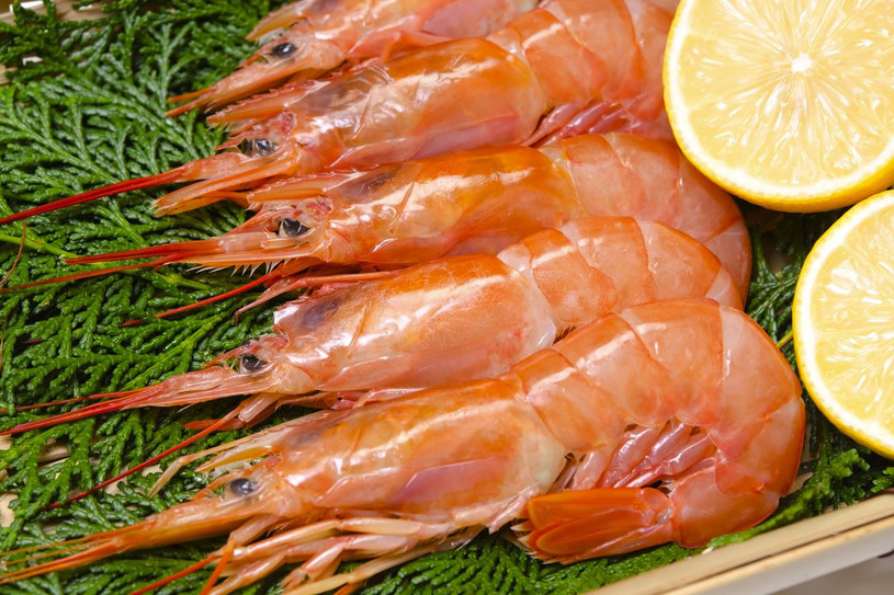 Ryby i owoce morza non stop. Dorsze, halibuty, śledzie i krewetki – to menu w restauracjach i przydrożnych barach /123RF/PICSEL