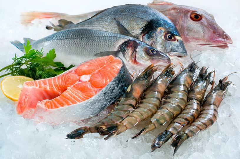 Ryby i owoce morza to jedne z najbogatszych źródeł kwasów omega-3 /123RF/PICSEL