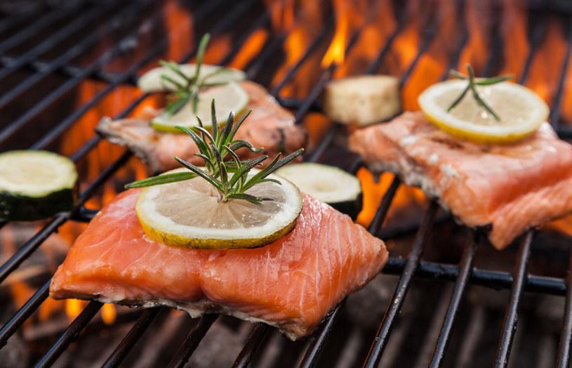 Ryby morskie zawierają cenne dla zdrowia kwasy omega-3 /123RF/PICSEL