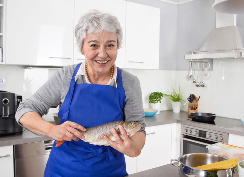 Ryby powinno się spożywać 2-3 razy w tygodniu /123RF/PICSEL