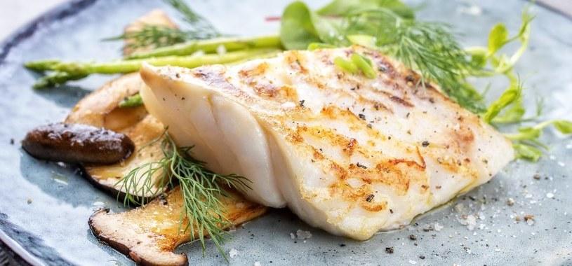 Ryby powinny stale gościć w diecie sercowca /123RF/PICSEL