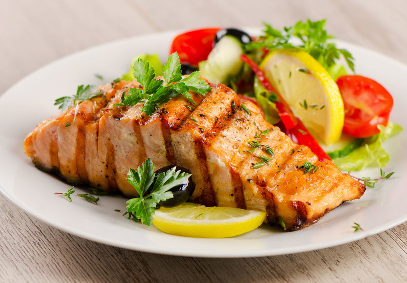 Ryby są świetnym źródłem witaminy D /123RF/PICSEL