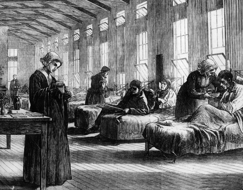 Rycina z 1820 przedstawiająca szpital, w którym próbowano leczyć chorych na ospę /Getty Images