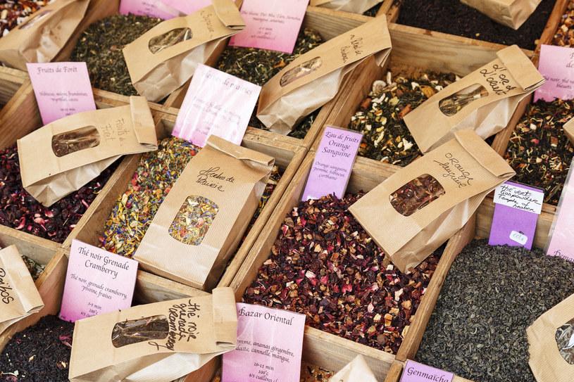 Rynek kwiatowy Cours Saleya w Nicei /123RF/PICSEL