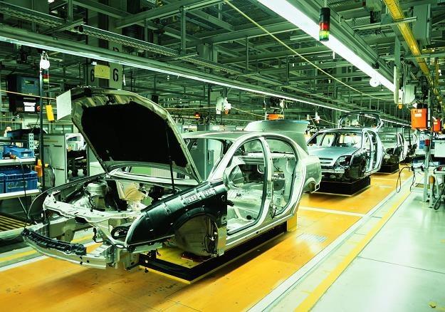 Rynek motoryzacyjny w Polsce wymaga zmian /©123RF/PICSEL