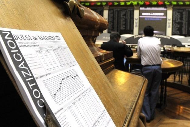 Rynek nie przypadkiem traktuje ostatnio Włochów lepiej niż Hiszpanów /AFP