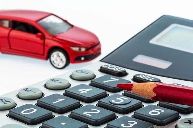 Rynek samochodów mocno idzie do góry /©123RF/PICSEL
