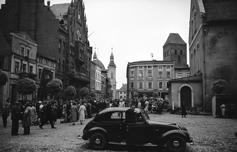 Rynek w Chojnicach w 1938 r. Fot. Tadeusz Galec, Archiwum historiachojnic. com /