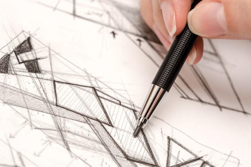 Rysowanie ołówkiem /©123RF/PICSEL