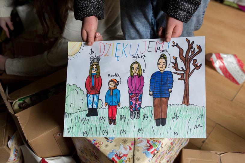 Rysunek podarowany wolontariuszce Szlachetnej Paczki przez rodzinę, która otrzymała pomoc /fot. Agnieszka Ożga-Woźnica /