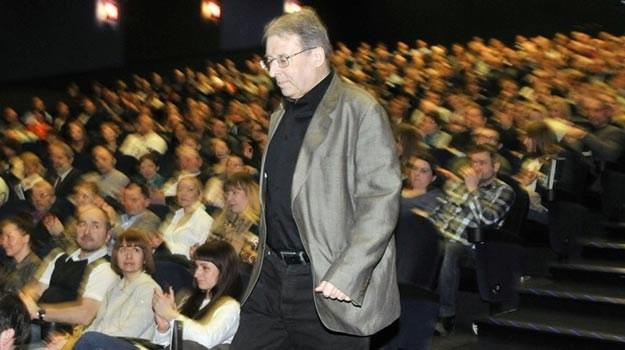 """Ryszard Bugajski podczas marcowej premiery """"Układu zamkniętego"""" w Gdyni - fot. P.Świderski /Reporter"""