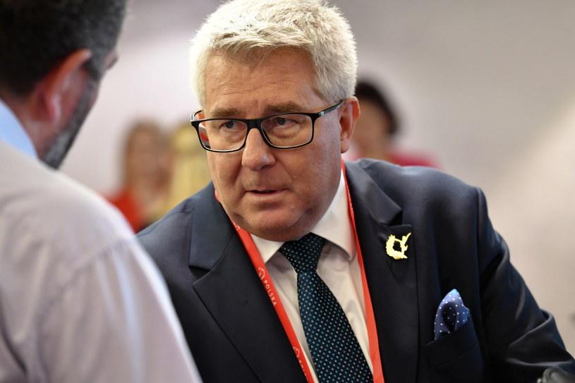 Ryszard Czarnecki zrezygnował z wyścigu o fotel prezesa PZPS na kilka godzin przed głosowaniem /Piotr Nowak /PAP