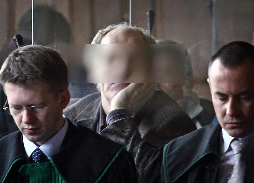 """Ryszard F. ps. """"Fryzjer"""" na ławie oskarżonych /Fot. Wojtek Kamiński/REPORTER /East News"""