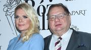 Ryszard Kalisz pozuje z młodą żoną