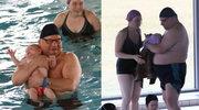 Ryszard Kalisz szaleje z synkiem na basenie. Sexy tata?
