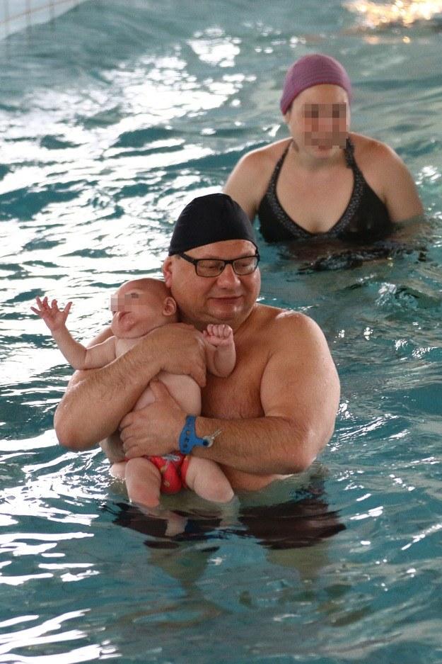 Ryszard Kalisz z synem i partnerką Igą /Foto IP