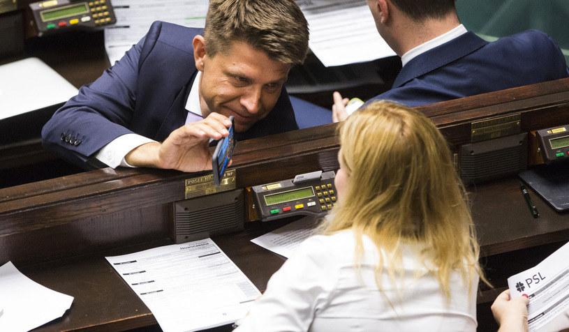 Ryszard Petru w Sejmie zajmuje się nie tylko polityką /Andrzej Hulimka/Reporter /East News