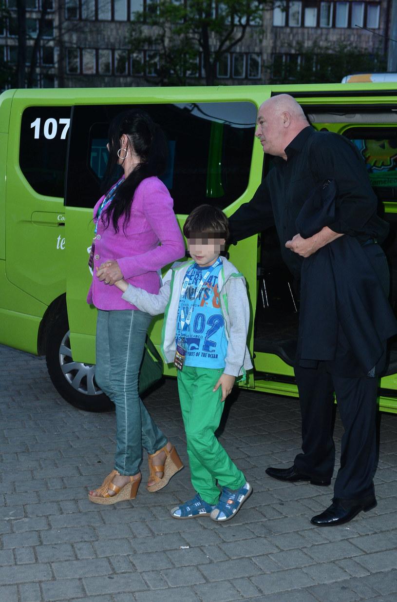 Ryszard Rynkowski z żoną i synem /Pawel Wrzecion /MWMedia