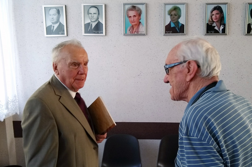 Ryszard Szpyrko i Stefan Wysocki w szkole w Mrozach /INTERIA.PL