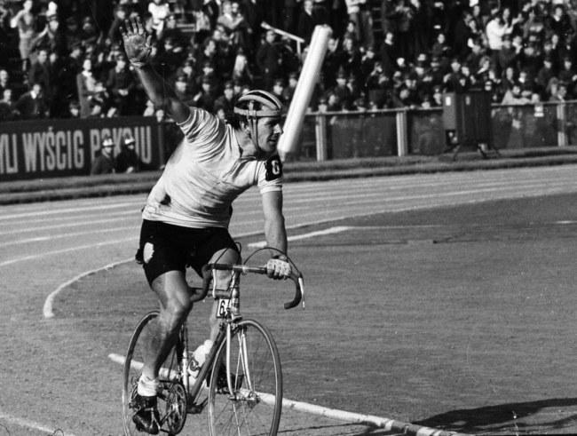 Ryszard Szurkowski podczas Wyścigu Pokoju w 1975 roku / Zbigniew Matuszewski /PAP