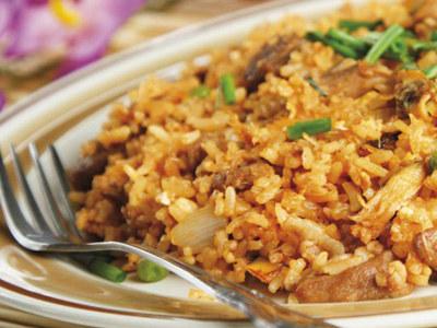 Ryż basmati idealnie nadaje się jako baza do wszelkiego rodzaju potraw ryżowych  /materiały prasowe